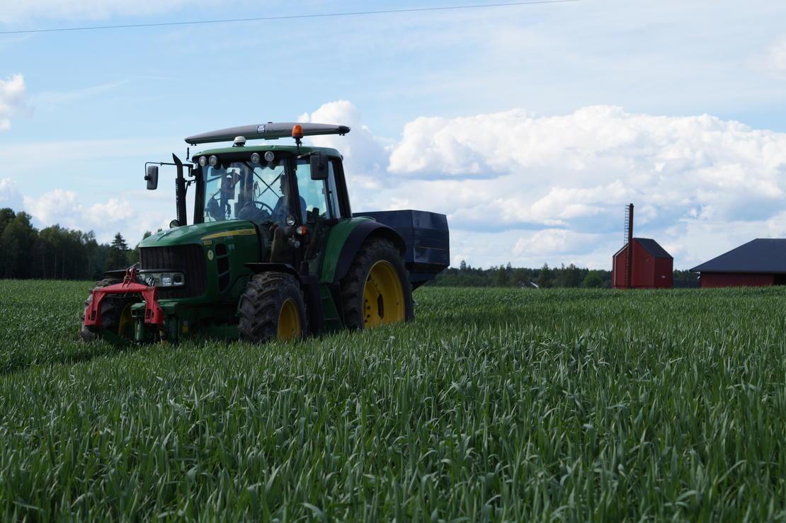 Traktor med N-sensor